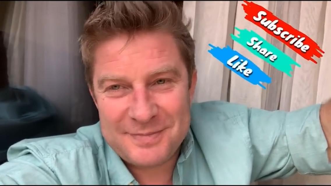 Canalul de YouTube Pavel Bartoș – interviuri, provocări și bună dispoziție